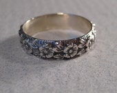 New Flower ... Sterling Silver ... Band Ring ..........