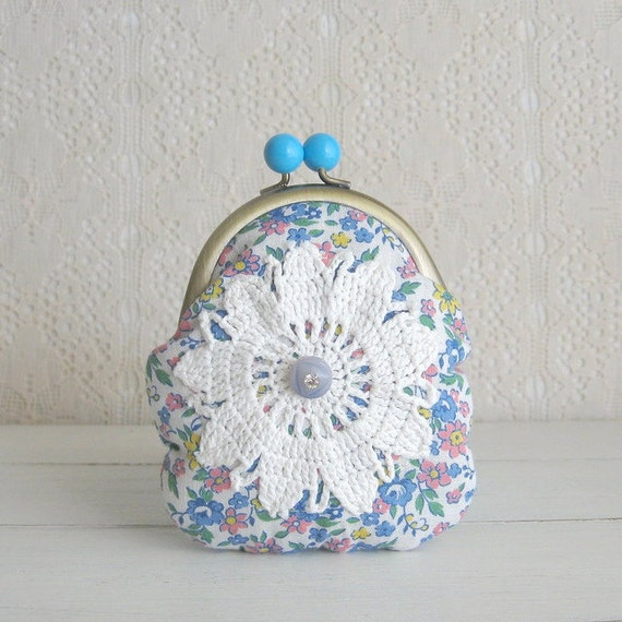 hello spring coin purse - blue
