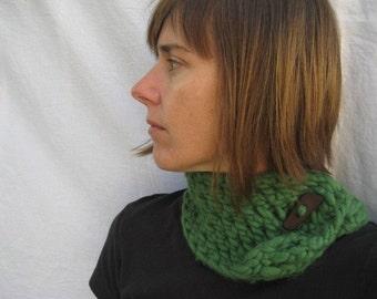 Kiwi and Company's Chunky Knit Scarflette Pattern PDF - EASY