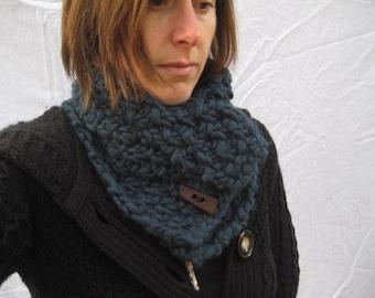 Kiwi and Company's Chunky Knit Cowl Pattern PDF - EASY