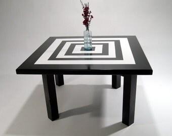 Praecius Table