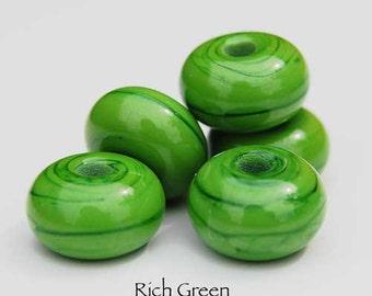 Rich Green, 25 round handmade glass beads, intense green spacer by Beadfairy Lampwork, SRA