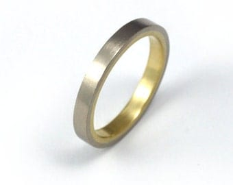 Women's White and Yellow Gold Wedding Band - Seamless