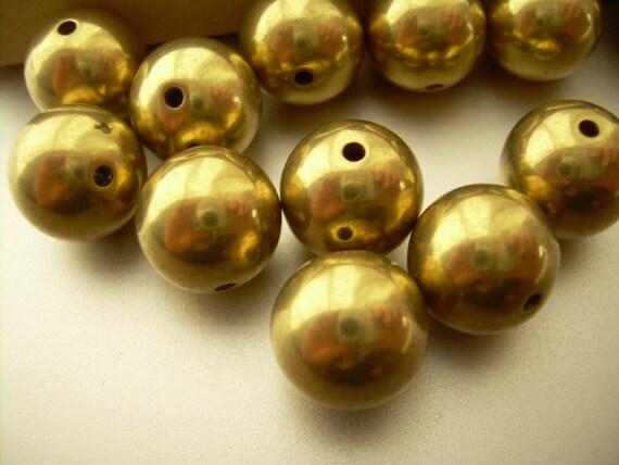 10 Brass Beads Round Vintage 12 mm