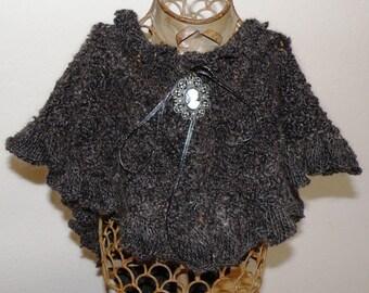 Medieval Collar with Modern Twist Pattern