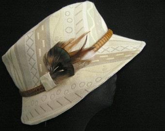 UNISEX  AKUBRA Style Fabric Hat with Feathers