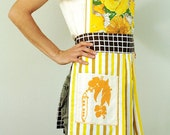 peppy yellow . full apron
