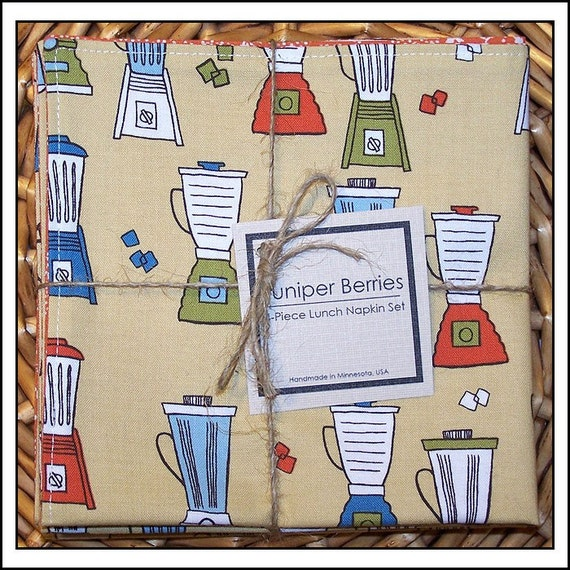 Retro Kitchen Blenders on Tan Reversible Cloth Lunch Napkin Set