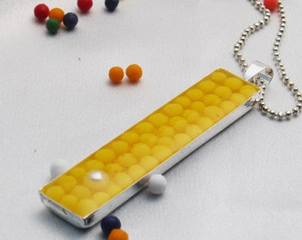 Candy and Pearls long pendant - Yellow