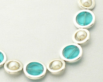 Silver and glass circle bracelet - aquamarine/pearl