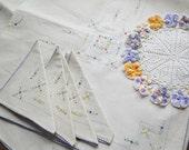 Tiny Flowers Tablecloth and Napkin Set