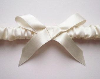 Cloud nine silk garter