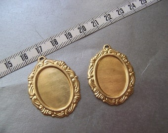 Ornate Brass Pendant Settings for 18X13mm Oval Cabochons 4 Pcs