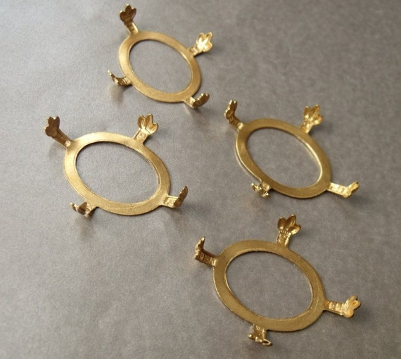 Turtle Settings 25x18mm Oval Open Back with Fleur de Lis Brass 4 Pcs