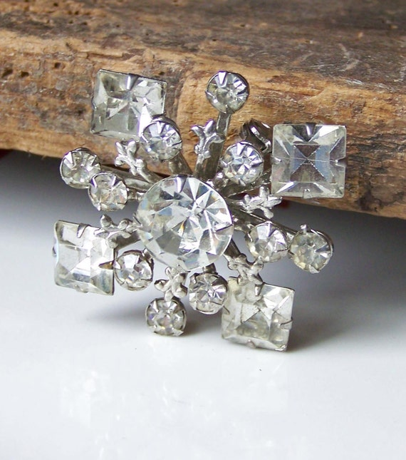 REDUCED Vintage Rhinestone Brooch, Snowflake Brooch, Etsy Jewelry, Wedding Brooch, Glam Brooch, Bridal Brooch, Glitzy Brooch, Gift