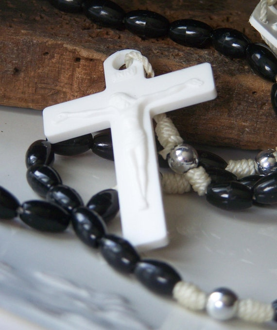 DOLLAR DAZE  Destashed Plastic Rosary, White and Black