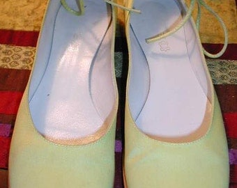 Artsy and OH SO CHIC Italian Made Satin Ballerina Inspired Shoes  - Size 40