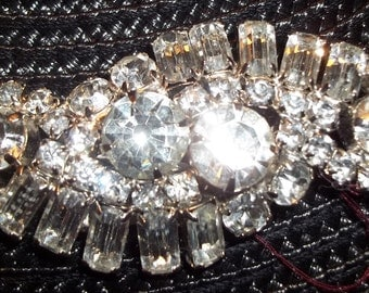 Large VINTAGE Silver-toned Rhinestone Glass Brooch Pin