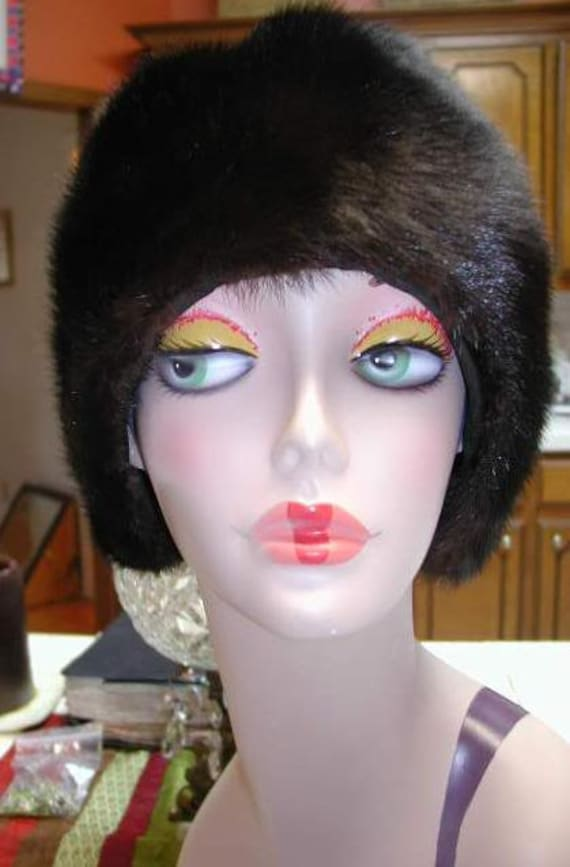 Winter Clearance: Incredibly Chic VINTAGE Mink Turban Hat