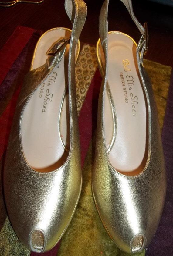 CLEARANCE:  Sleek BOB ELLIS Metallic Gold Leather Slingbacks - Size 6B