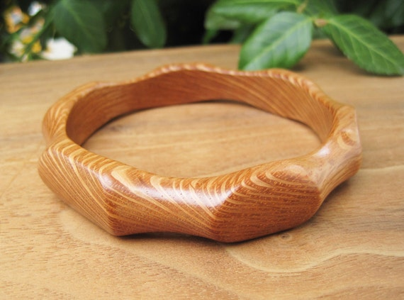Lace Wood Bangle - Funky Grain and Shape - Light - Wooden - Canada - Natural Jewelery - Canada - Earthy -  In-Bloom - Large - Plus Size