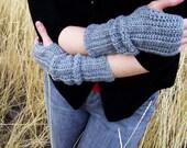 Wool Blend Slouch Gloves in Gunmetal