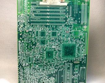 RECYCLED CIRCUIT BOARD Medium Clipboard Geekery mc19