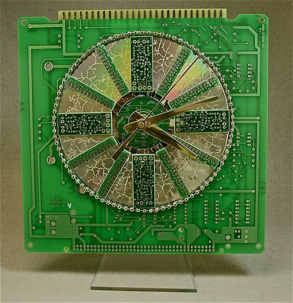 Recycled CIRCUIT BOARD Eco Friendly Roulette GEEK Desk Clock