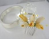 White and Yellow Tulip and Crystal Haircomb