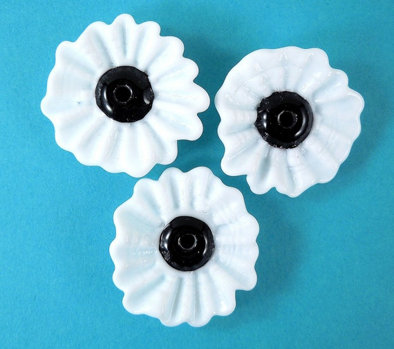 Pretty Poppies - Lampwork Flower Beads in Black and White