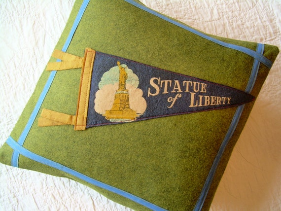 Pennant Pillow - Statue of Liberty