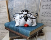 White puppy vintage eyeglass holder