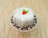 Dollhouse Miniature Silk Cake
