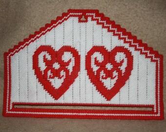 323 Filigree Heart Calendar holder