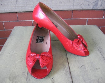 RARE Vintage Van Eli lipstick red leather bow peep toe kitten heels