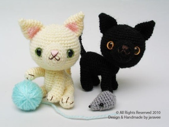 Black and White Kittens PDF Crochet Pattern by jaravee on Etsy