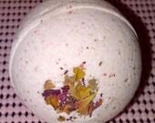 Rose Bud & Petals Bath Bomb