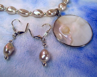 Blister Pearl Pendant Freshwater Cultured Pearl Necklace and Earrings Set