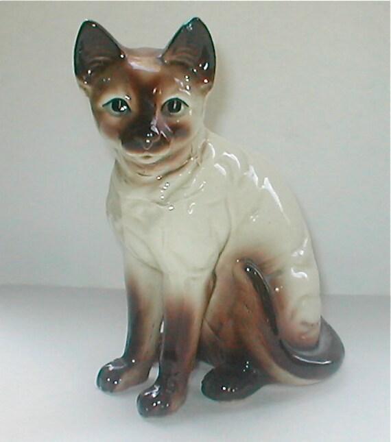 Traditional Applehead Siamese Cat Figurine Ceramic Made In