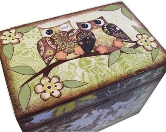 Recipe Box, Decoupaged Owl Box, Large Wooden Box, Holds 4x6 Cards, Kitchen Storage Organization, MADE TO ORDER