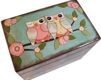 Recipe Box, Wood Recipe Box, Decoupaged Recipe Box, Owl, Wedding Recipe Box, Bridal Shower Box, Personalized, Holds 4x6 Cards, MADE TO ORDER