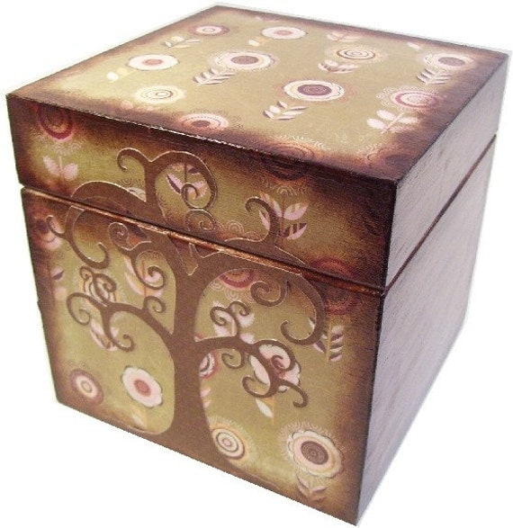 Keepsake, Treasure, Trinket Storage and Organization Box For Baby or Child, Butterfly Decor, Custom Designs, Decorative Box, MADE TO ORDER