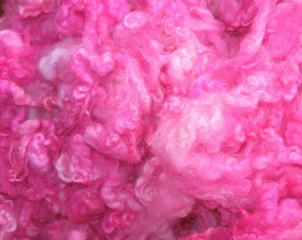 Border Leicester lamb and yearling fleece, 4 ounces, Hot Pink