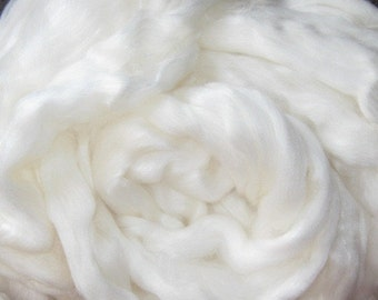 Moonglow 4 ounces  Premium feltable roving