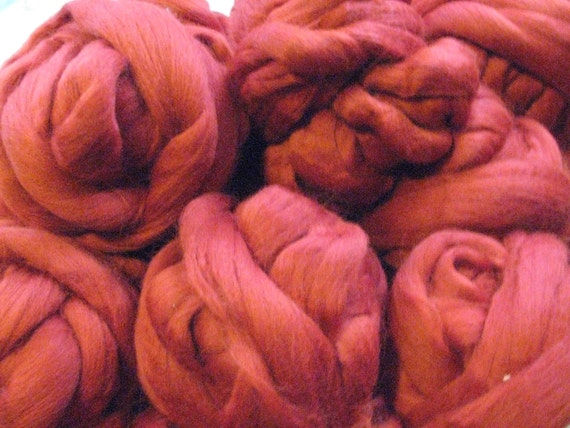4 oz Soft Bright Red, Mill End Wool Roving