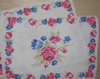 2 Vintage Linen Place-mats