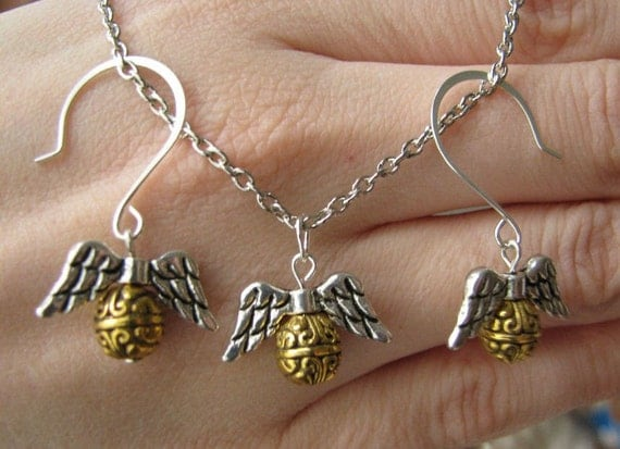 golden snitch earrings catching the golden snitch earring and necklace set harry 3073