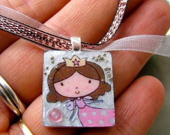 Scrabble tile pendant, La Princesse/PRINCESS, Scrabble piece charm/Scrabble tile jewelry