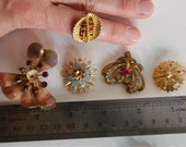 lot of brassy vintage jewelry pins brooches rhinestones earring