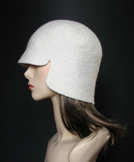 FERUTO Racer white felt cap hat